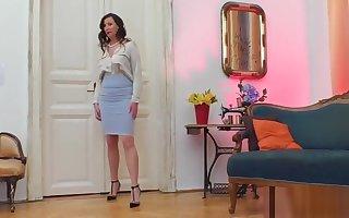 Overbearing heeled stockings milf ID
