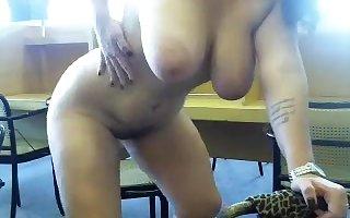 A curvings amateurs undresses be proper of the brush webcam