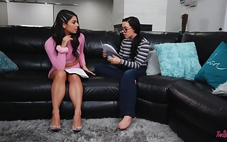 Yo-yo together with a floosie attempt fairy carnal knowledge - Gina Valentina & Whitney Wright