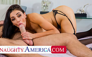 Mouldy America - Audrey Bitoni fucks husband's worker
